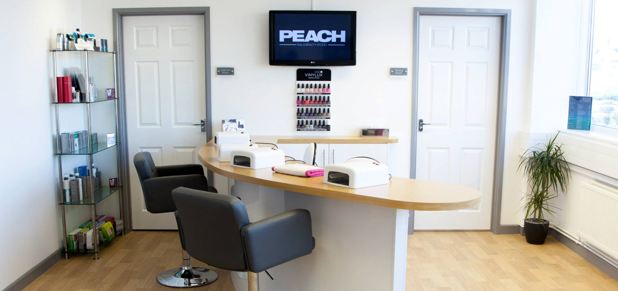 Peach Salon
